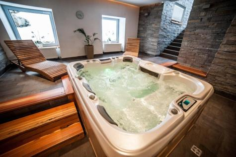 After a hiking day and simple mountain huts you can take a jacuzzi in the mountainhotel