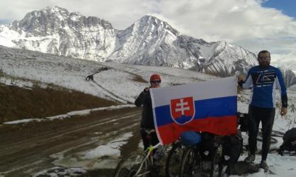 Slovenska vlajka v sedle nesmie chybat ;-)